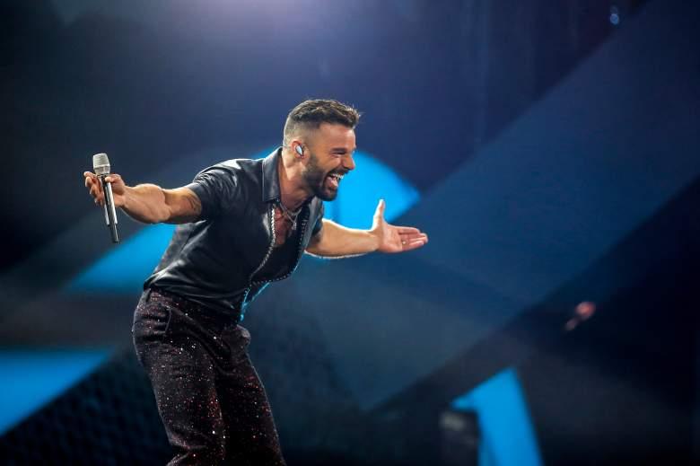 Ricky Martin le roba un beso en la boca a un presentador en Viña del Mar: VIDEO