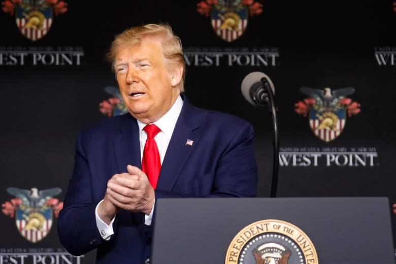 [Video] Trump toma agua con manos temblorosas: ¿le pasa algo al presidente?
