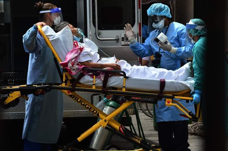 Muertes por COVID-19 siguen disminuyendo: ¿es buena señal?