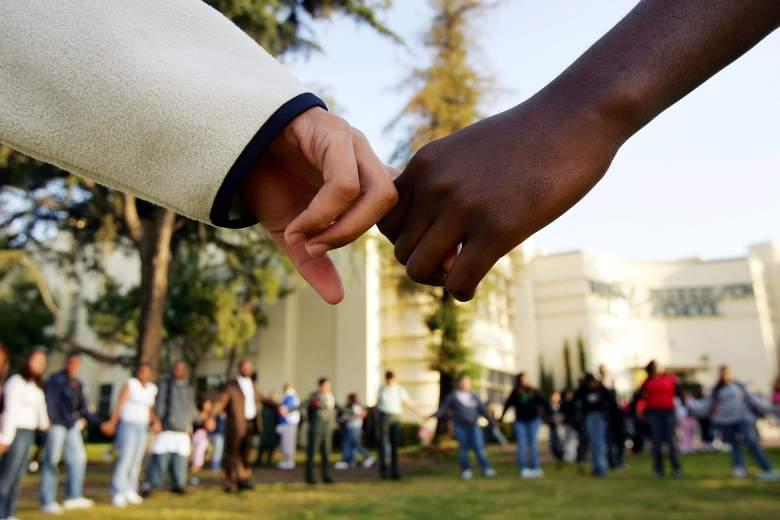 Escuela de los Angeles - Contra el racismo y violencia