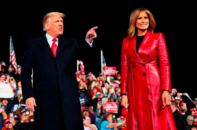 La primera dama Melania Trump junto al presidente.