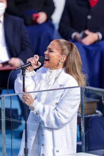Jennifer Lopez de blanco en la Inauguración.