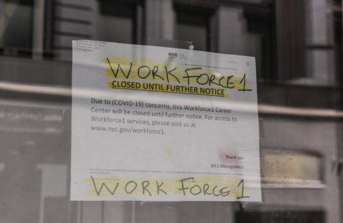¿Quiénes tendrían que devolver sus beneficios de desempleo?