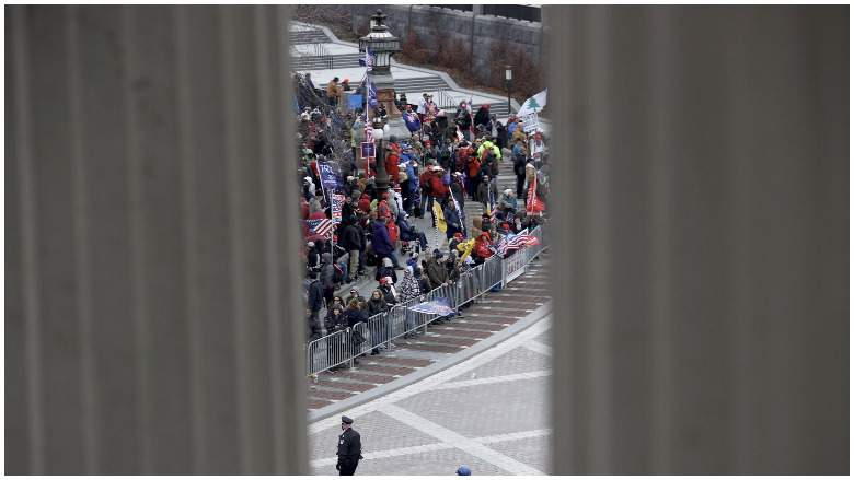 Seguidores de Trump entran al Capitolio-Imágenes Fuertes