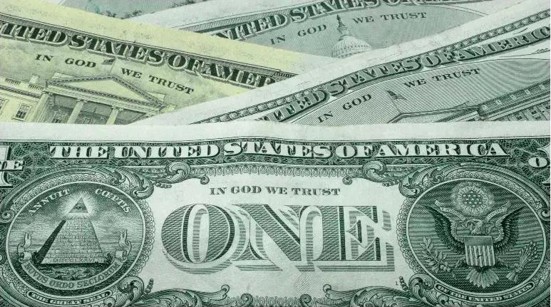 El proyecto de ley de ayuda, propuesto el mes pasado, asigna $ 1,400 cheques directos a personas elegibles y amplía el Crédito Tributario por Hijos y el Crédito Tributario por Ingreso del Trabajo.