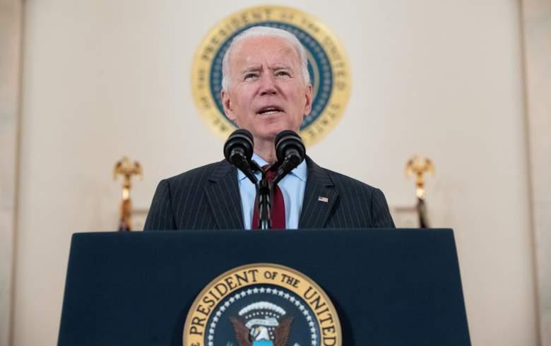 El presidente Joe Biden, habla sobre las vidas perdidas por el Covid, en el Cross Hall de la Casa Blanca el 22 de febrero de 2021.