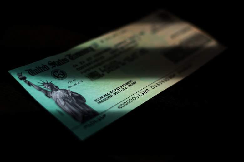 Cheques de asistencia económica por coronavirus que se enviaron a los ciudadanos de todo el país el 29 de abril de 2020 en Washington, DC.