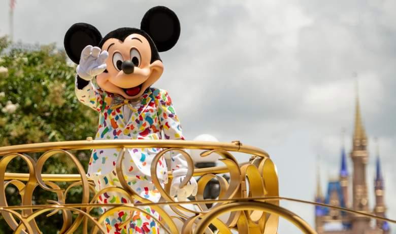 Kelly McKin: el hombre de Florida acusado de escupir a trabajadora de Disney World