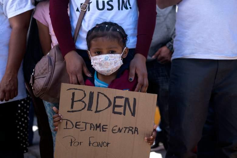 Frontera de EE.UU. seguirá cerrada pero no expulsarán niños solos