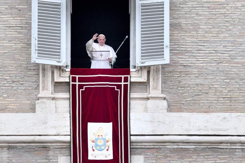 El Vaticano dice que no puede bendecir uniones de parejas del mismo sexo