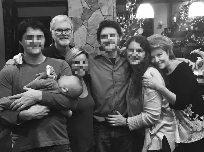 Dr. Robert Lesslie con su familia
