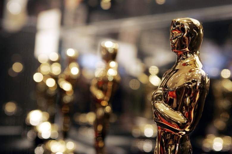 """Los Oscar se exhiben en """"Meet the Oscars"""", una exhibición que presenta las 50 estatuillas de los Oscar que se presentarán en los 78 Premios de la Academia, en Hollywood y Highland el 10 de febrero de 2006 en Los Ángeles, California."""