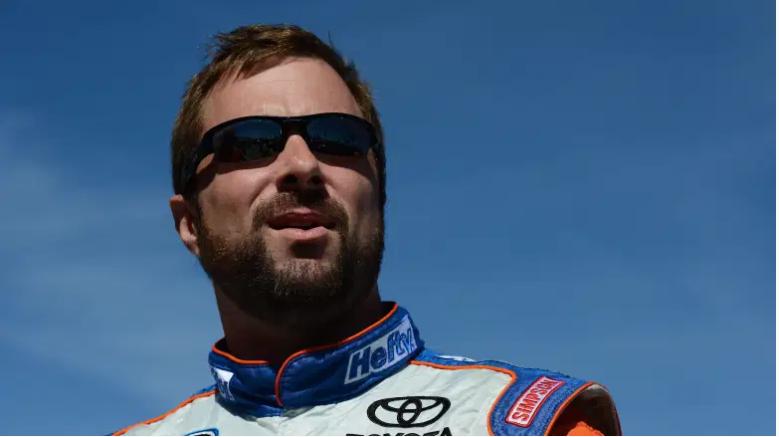 El ex piloto de NASCAR Eric McClure