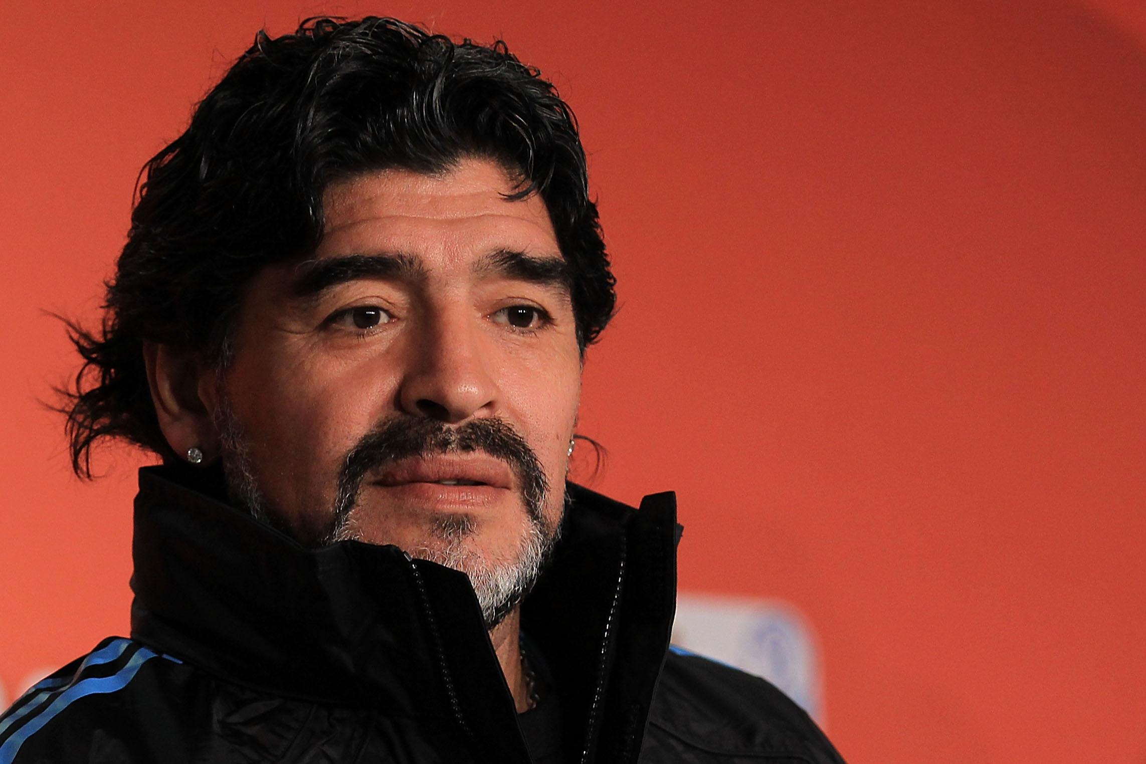"""Maradona reapareció: """"Estuvo"""" en desfile de reinas en Miss Universo: [Video]"""