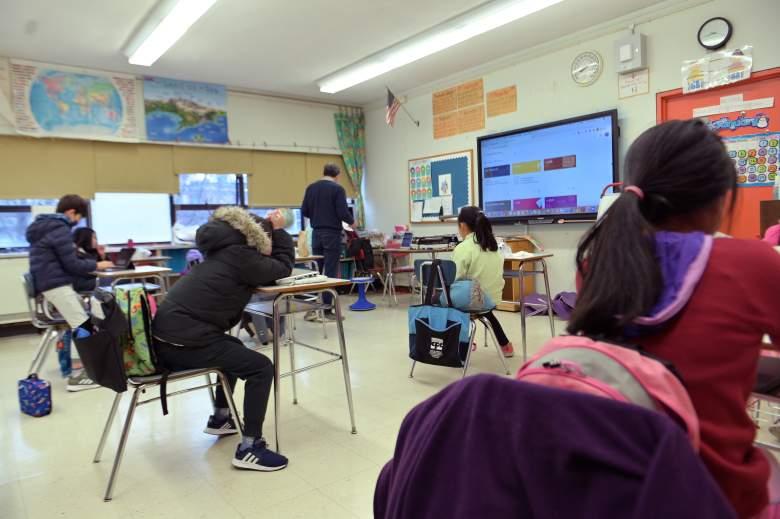 Nueva York anuncia fin a clases virtuales: Todos deberán volver a las escuelas