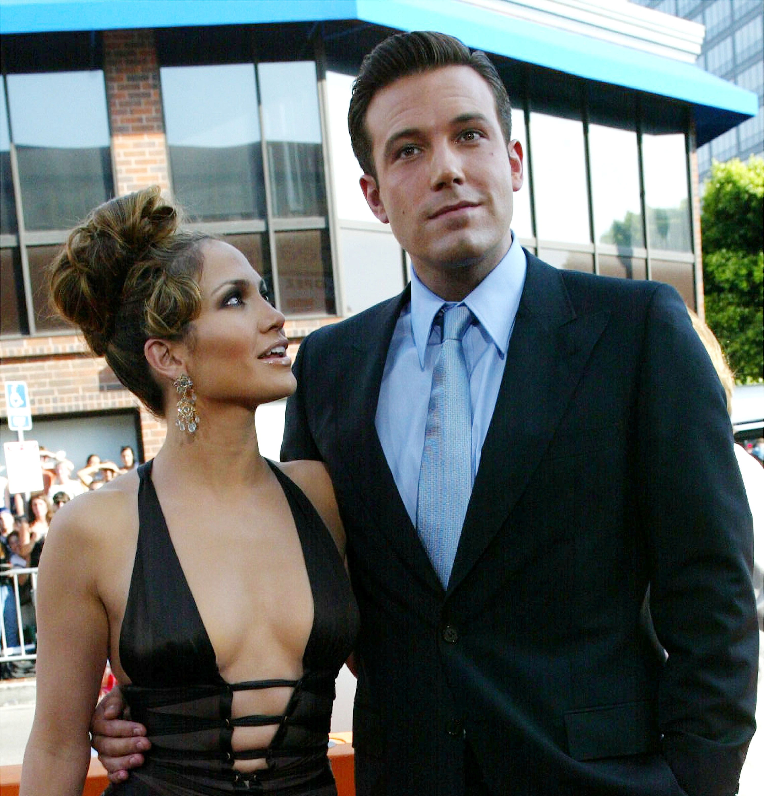 Les acteurs Ben Affleck et Jennifer Lopez assistent à la première du film de Revolution Studios et Columbia Pictures