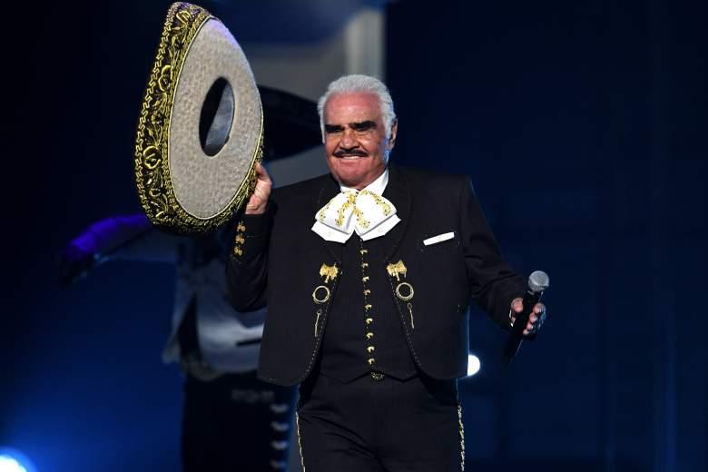 Vicente Fernández se presenta en el escenario durante la 20a entrega anual del Latin GRAMMY en el MGM Grand Garden Arena el 14 de noviembre de 2019 en Las Vegas, Nevada.