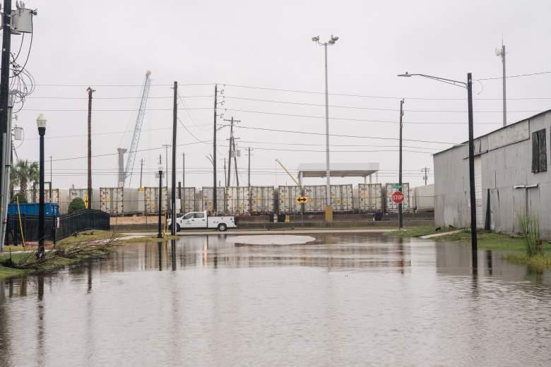 Se muestra una calle inundada después de que la tormenta tropical Nicholas se moviera por el área el 14 de septiembre de 2021 en Galveston, Texas.