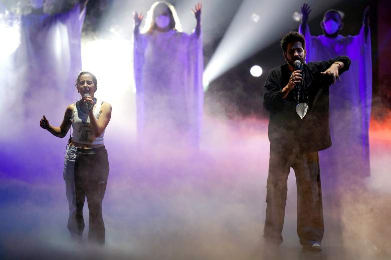 Evaluna Montaner y Camilo se presentan en el escenario durante los ensayos de la 33a edición del Premio Lo Nuestro a la Música Latina de Univision en el AmericanAirlines Arena el 14 de febrero de 2021 en Miami, Florida.